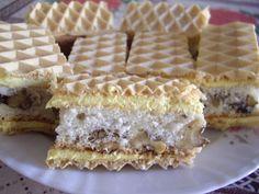 Camy Sweet: Foi de napolitane cu blat si crema Waffles, Pie, Breakfast, Sweet, Desserts, Food, Food Cakes, Torte, Morning Coffee