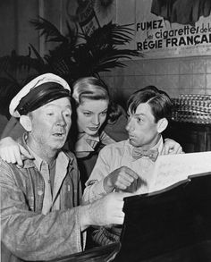 """Lauren Bacall with Walter Brennan and Hoagy Carmichael on the set of """"To Have and Have Hollywood Golden Age Of Hollywood, Hollywood Stars, Classic Hollywood, Old Hollywood, Humphrey Bogart, Lauren Bacall, Classic Movie Stars, Classic Movies, Film Mythique"""