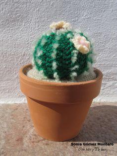 Cactus con Espinas Amigurumi - Patrón Gratis en Español aquí: http://ainoslabores.blogspot.de/2013/05/cactus.html