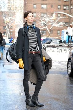 Street Style: Ruby Aldridge Has an App for That