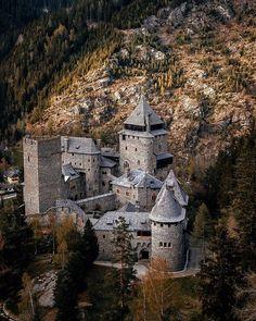Castle • Travel • Explore в Instagram: «Finstergrün Castle 🏰 Austria 🇦🇹 Credit 📸 @karl_lassacher 👏 - - Follow @castlesbook for more Follow @castlesbook for more Follow…»