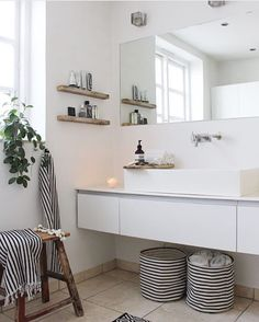 I like this simple but cosy bathroom with floating vanity unit and modern rustic. I like this simple but cosy bathroom with floating vanity unit and modern rustic accessories Cosy Bathroom, Scandinavian Bathroom, Laundry In Bathroom, Bathroom Styling, Scandinavian Interior, Bathroom Interior, Small Bathroom, Parisian Bathroom, Bathroom Ideas