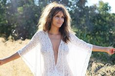 What Halle Berry Does to Make 50 Look 30 - Halle Berry Diet