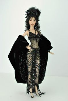 DOLLS   CHER - MAGIA 2000 OF MARIO PAGLINO AND GIANNI GROSSO FROM ITALY