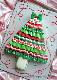 Ruffled Christmas Tree cake