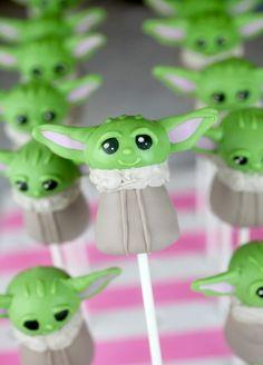Birthday Bbq, Star Wars Birthday, Star Wars Party, Birthday Cakes, Star Wars Cupcakes, Star Wars Cake Pops, Yoda Cake, First Communion Cakes, Paris Cakes