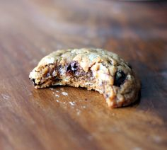 Peanut Butter Oatmeal Chocolate Chip Cookies {flourless, no butter} | Ambitious Kitchen