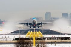 Stunning take off in snow!!