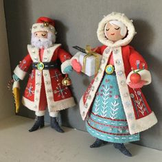 Update on Mrs Claus: She's finally tweaked to my satisfaction (there was some pretty serious and distressing creative block on her… Felt Christmas Decorations, Felt Christmas Ornaments, Noel Christmas, Christmas Nativity, Christmas Projects, Felt Crafts, Holiday Crafts, Felt Projects, Twas The Night
