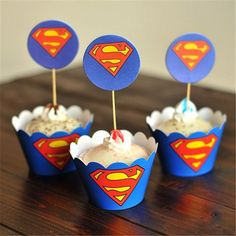 Bride and Groom Superman Gteau Topper par WeddingCakeName sur Etsy
