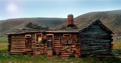 Abandoned cabin in Lemhi Valley Idaho. Do you think this aging beauty can be restored?  #cabin #wildernessculture #logcabin #dreamhome #cottage #retreat #nature #cabinlife #cabininthewoods #cottagelife