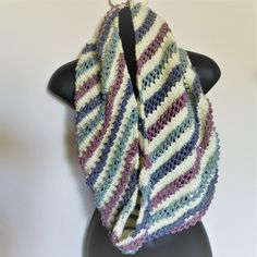 Fun multicolored knit cowl. Good pattern for beginner knitter.