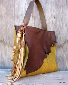 Leather Bag in Lizard Embossed Wheat