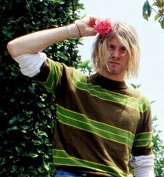 Kurt Cobain and Nirvana Forever! Kurt Cobain Photos, Nirvana Kurt Cobain, Kurt Cobain Style, Rock And Roll, Donald Cobain, Rock Poster, Smells Like Teen Spirit, Daddy, Punk