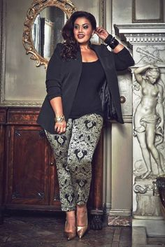 Top 10 style tips for plus sized women style 3 grote meid mode, curvy mode, Curvy Girl Fashion, Look Fashion, Plus Size Fashion, Fashion Women, Petite Fashion, Fashion Rings, Fall Fashion, Xl Mode, Mode Plus