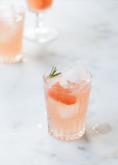 rosemary and grapefruit cocktail
