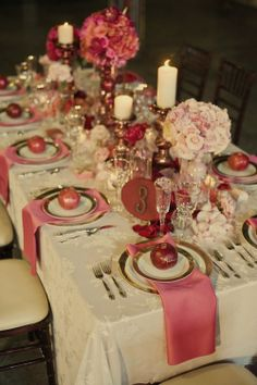 heirloom philosophy: Day {16} Christmas Pretty in Pink ❤❦♪♫. cute wedding idea too (minus the apples)