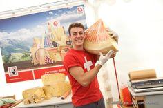 Il famoso Emmental svizzero in uno degli stand del #Salonedelgusto