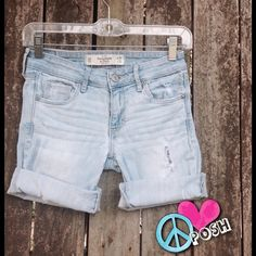 ☮ A&F Light Wash Cut-Off Shorts w/ Distress ☮ Abercrombie & Fitch ☮ Light Wash Cut-Off Shorts w/ Distress ☮ Size 0 or 25' W ☮ Some Stretch & Very Comfy ☮ ❌❌ NO TRADE ❌  ✌️ Price is FIRM unless BUNDLED for further Discount ✌ Abercrombie & Fitch Shorts Jean Shorts