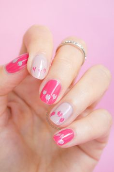 Elegant Valentines Day Nails. Click through for manicure details. #valentinesday #valentinesdaynails #nails