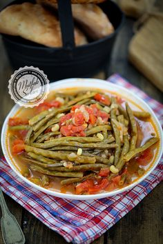 Zeytinyağlı Börülce – Sulu yemek – The Most Practical and Easy Recipes Turkish Recipes, Ethnic Recipes, Soup Recipes, Dinner Recipes, Wedding Hairstyles Half Up Half Down, Homemade Beauty Products, Japchae, Soul Food, Health Fitness