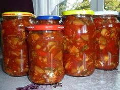Sweet and sour sauce with zucchini and peppers - in jars - Sweet and sour sauce with sugar . Czech Recipes, Polish Recipes, Fermented Foods, Canning Recipes, Chutney, Family Meals, Food And Drink, Yummy Food, Stuffed Peppers