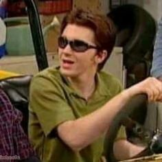 """Find and save images from the """"▶BFF/Couple Wallpapers◀"""" collection by Matching Pfp, Matching Icons, Couple Wallpapers, Drake Y Josh, Matching Profile Pictures, Wattpad, Mood Pics, Meme Faces, Reaction Pictures"""
