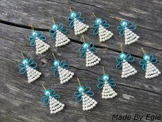 lovely beaded angels - no tute Beaded Christmas Ornaments, Christmas Jewelry, Christmas Angels, Wire Ornaments, Angel Ornaments, Ornament Crafts, Christmas Crafts, Christmas Decorations, Beaded Crafts