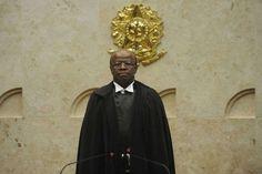 Joaquim Barbosa: 'tomaram o poder para se proteger e continuar roubando'