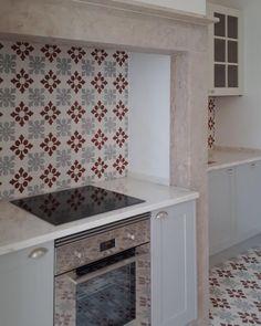 Casa Mix, Vacation Apartments, Kitchen Appliances, Kitchens, Kitchen Decor, Sweet Home, Algarve, Ancient Art, House