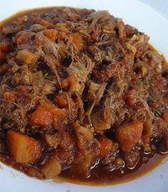 Receita de carne desfiada com legumes