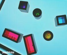 Hoy voy a enseñarte un montón de ideas y materiales que usamos en casa para aprender, jugar y experimentar con la mesa de luz.   ... Reggio Emilia, Light Table, Mondrian, Facebook, School, Room, Instagram, Log Projects, Educational Crafts