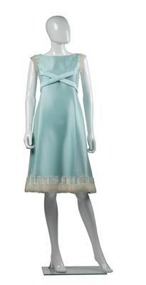 Vienna, Disney Princess, Chic, Disney Characters, Elegant, Disney Princes