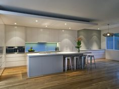 Modern kitchen-dining kitchen design using floorboards - Kitchen Photo 353451