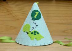 chapeuzinho-de-feltro-dinossauro