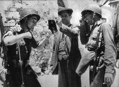 La liberazione. Festeggiamenti con gli alleati.