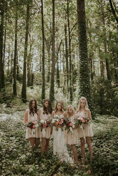 Short and flowy blush bridesmaid dresses | Image by Olivia Strohm Photography