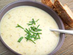 Przepis na zupę serową z białym winem
