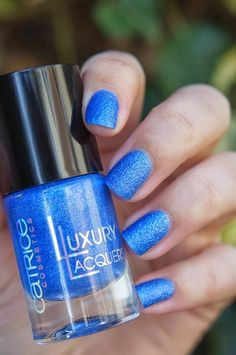 Catrice Luxury Lacquers, Sand'Sation ~ Beautyill | Beautyblog met nail art, nagellak, make-up reviews en meer!