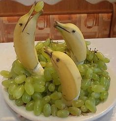 Banana Dolphins -- such a cute idea! My grandfather you to do stuff like this all the time:)