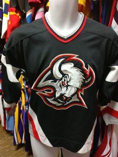 Vintage BUFFALO SABRES NHL CCM Jersey YL/YXL
