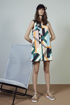 spaced retro - MSGM Resort 2015 Trunkshow Look 4 on Moda Operandi High Fashion, Fashion Show, Fashion Design, Style Fashion, Look 2015, Geometric Fashion, Vogue, Mo S, Madame