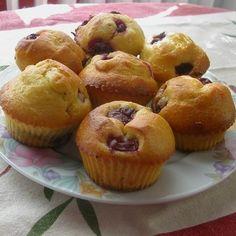 Egy finom Meggyes muffin (gluténmentes)  ebédre vagy vacsorára? Meggyes muffin (gluténmentes)  Receptek a Mindmegette.hu Recept gyűjteményében! Sin Gluten, Muffin, Candida Diet, Kefir, Tej, Breakfast, Food, Glutenfree, Morning Coffee