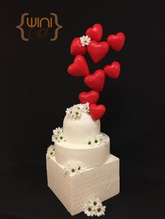 Hearts and Daisy to heaven - Mama's Boys collaboration - Cake by xavier winiart Pretty Cakes, Beautiful Cakes, Wedding Cake Inspiration, Daily Inspiration, Heart Cakes, Valentines Day Cakes, Engagement Cakes, Cakes And More, Cake Cookies