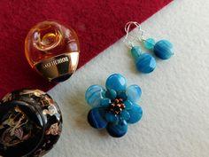Compoziția florală este confecționată din petale de agat dantelă, mărgele de hematit Drop Earrings, Jewelry, Bijoux, Jewlery, Schmuck, Drop Earring, Jewerly, Jewels, Jewelery