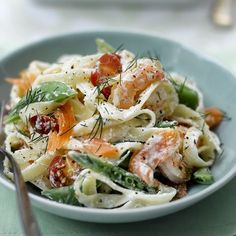 Pasta salad with scampi and smoked salmon Healthy Recipes Menu Weight Watchers, Plats Weight Watchers, Smoked Salmon Pasta, Salmon And Shrimp, Shrimp Recipes, Diet Recipes, Healthy Recipes, Scampi, Weith Watchers