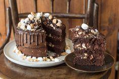 Krispie Treats, Rice Krispies, Cream Frosting, Food, Cakes, Meal, Eten, Cake, Meals