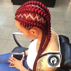 STYLIST FEATURE| Love these #cornrows styled by #Barcelona braider @trenceriadelflow❤️ Beautiful #haircolor So NEAT #voiceofhair