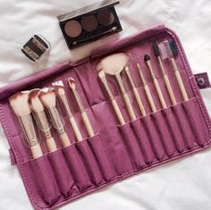 Daily Makeup Bag was excited to receive her Brush With Success Gift Set and Pressed Eyeshadow.