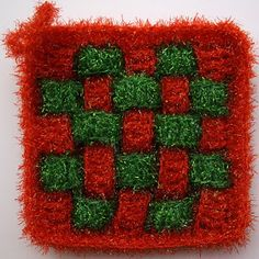 Scrubber & Scrubber Yarn: Square-Grid Dish Scrubbies Grid, Knit Crochet, Dishes, Knitting, Crochet Free Patterns, Plate, Tricot, Breien, Crochet